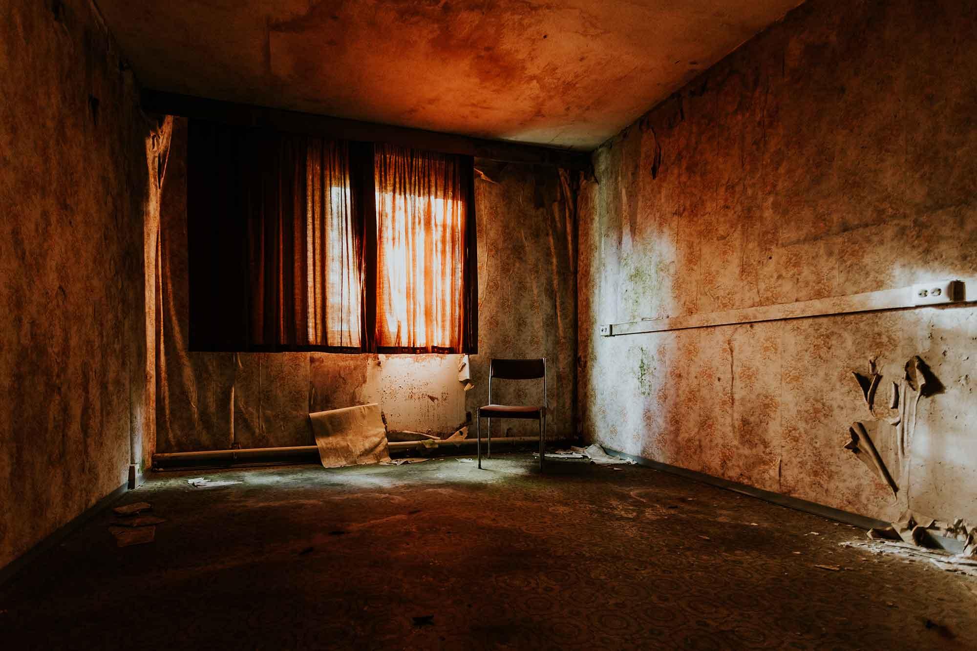 unrenovated room